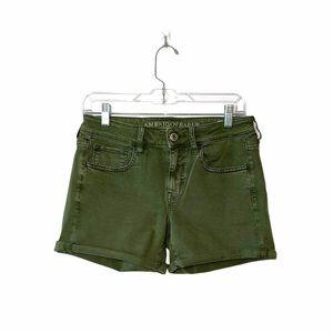 American Eagle Green Midi Mid-rise Shorts Sz 6